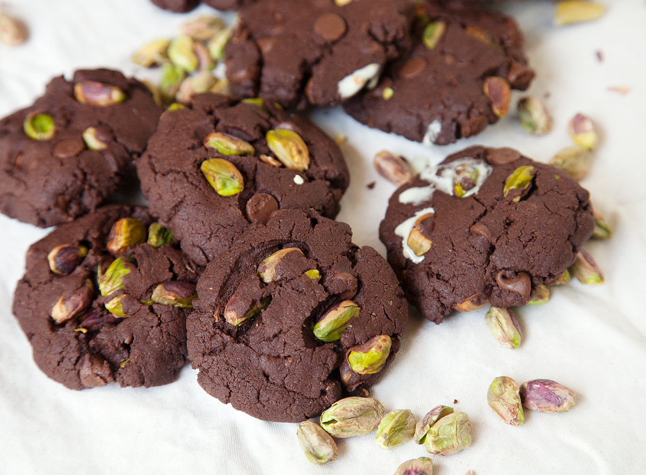 Chocolate Pistachio Ice Cream Sandwiches - My Southern Sweet Tooth